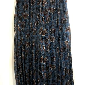 Jupe longue bleue fleurie